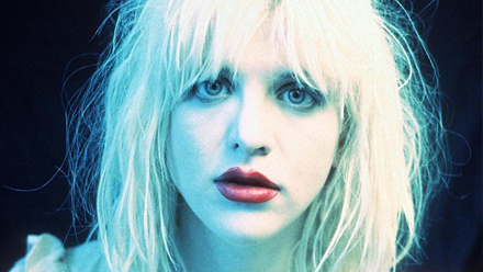 courtney-love-staged-stage-d